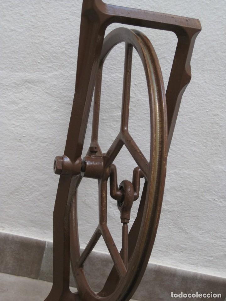 Antigüedades: Mecanismo pedal para maquina coser Alfa. - Foto 7 - 217967630