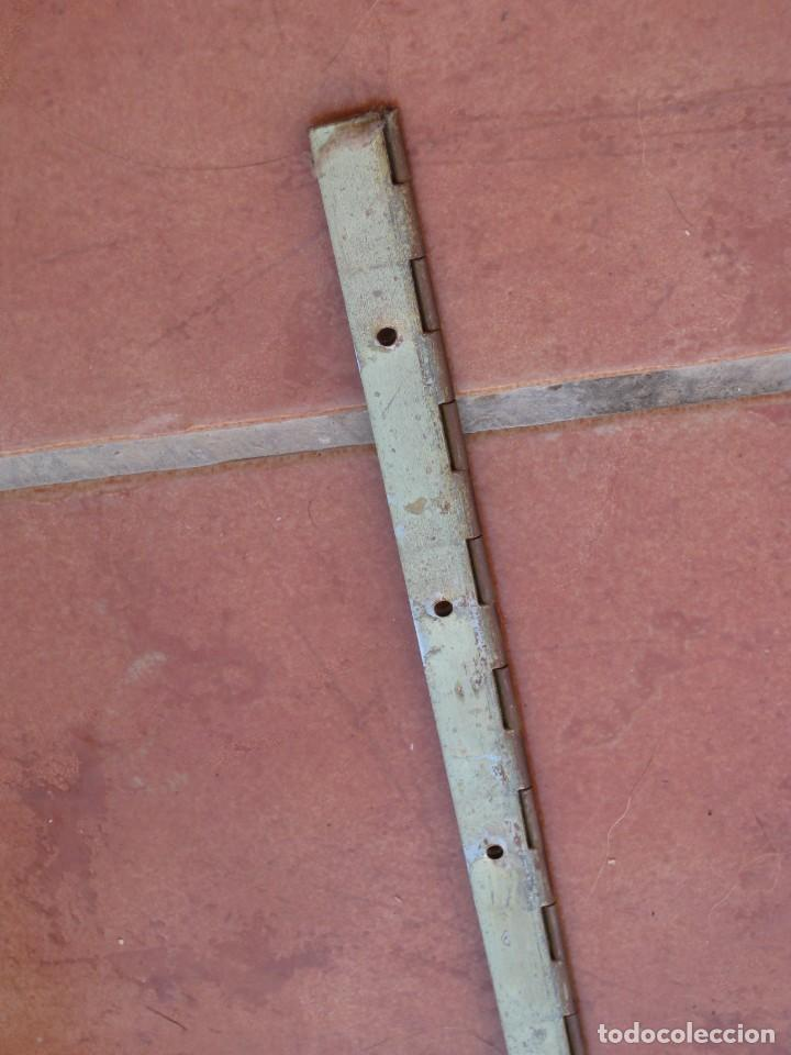 Antigüedades: Cajon, correa y bisagras mueble de maquina coser antigua. Alfa. - Foto 3 - 217968682
