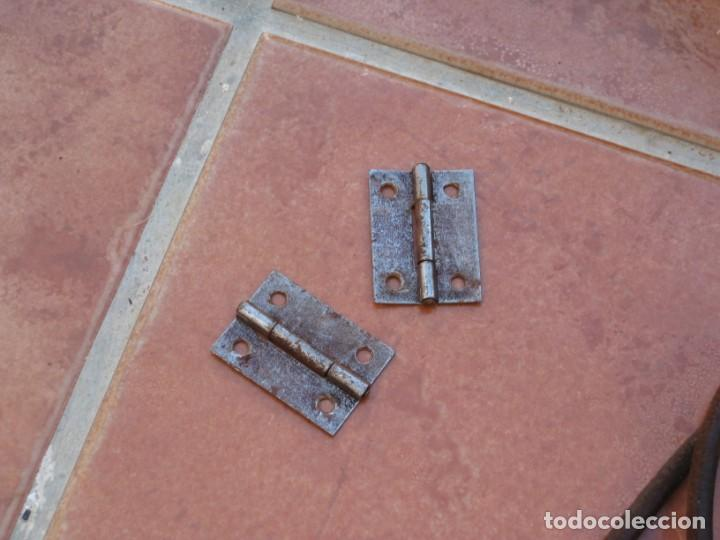 Antigüedades: Cajon, correa y bisagras mueble de maquina coser antigua. Alfa. - Foto 12 - 217968682