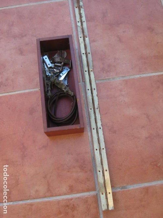 Antigüedades: Cajon, correa y bisagras mueble de maquina coser antigua. Alfa. - Foto 17 - 217968682