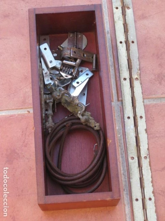 Antigüedades: Cajon, correa y bisagras mueble de maquina coser antigua. Alfa. - Foto 18 - 217968682