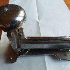 Antigüedades: GRAPADORA M-35 EL CASCO. Lote 218212992