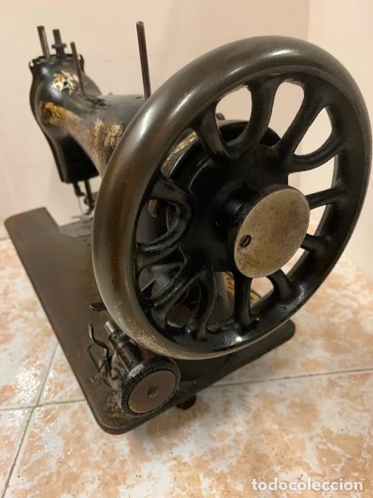 Antigüedades: Antigua maquina de coser SINGER, Ideal para decoracion, leer mas... - Foto 3 - 218231053