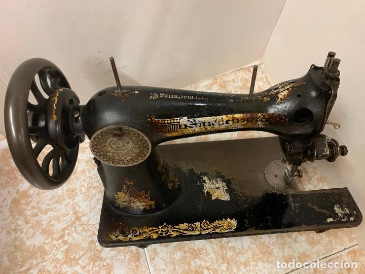 Antigüedades: Antigua maquina de coser SINGER, Ideal para decoracion, leer mas... - Foto 4 - 218231053