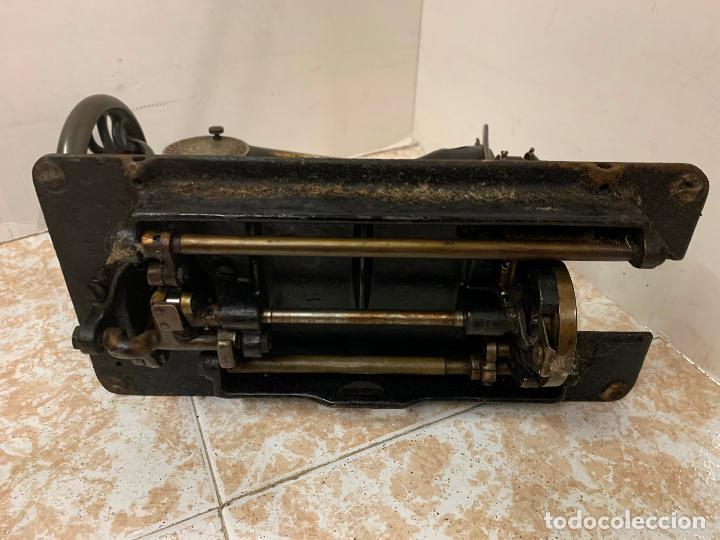 Antigüedades: Antigua maquina de coser SINGER, Ideal para decoracion, leer mas... - Foto 7 - 218231053