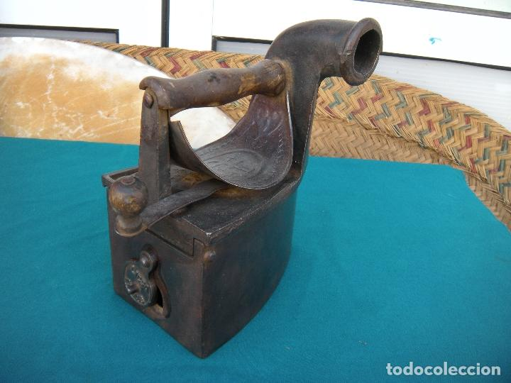 PLANCHA DE CHIMENEA LICSA ELORRIO (Antigüedades - Técnicas - Planchas Antiguas - Carbón)