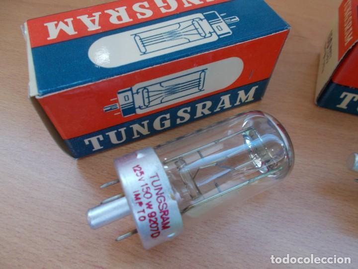 Antigüedades: Envio : 5€ LOTE DE 3 lamparas bombillas para proyectores de cine G17Q 125V 150W NUEVAS - Foto 2 - 218376311