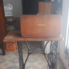 Antigüedades: MAQUINA DE COSER SINGER ORIGINAL. Lote 218404796