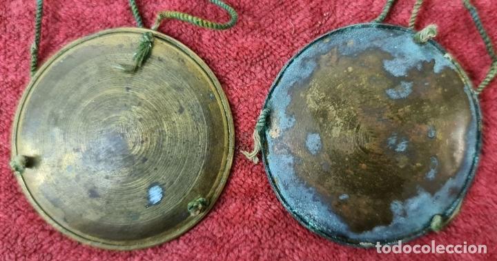 Antigüedades: BALANZA QUILATERA. LATÓN. PONDERALES EN BRONCE. CAJA ORIGINAL. SIGLO XIX. - Foto 3 - 218479088