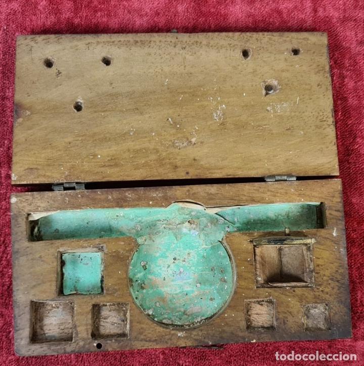 Antigüedades: BALANZA QUILATERA. LATÓN. PONDERALES EN BRONCE. CAJA ORIGINAL. SIGLO XIX. - Foto 4 - 218479088