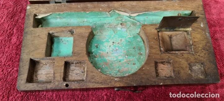 Antigüedades: BALANZA QUILATERA. LATÓN. PONDERALES EN BRONCE. CAJA ORIGINAL. SIGLO XIX. - Foto 10 - 218479088