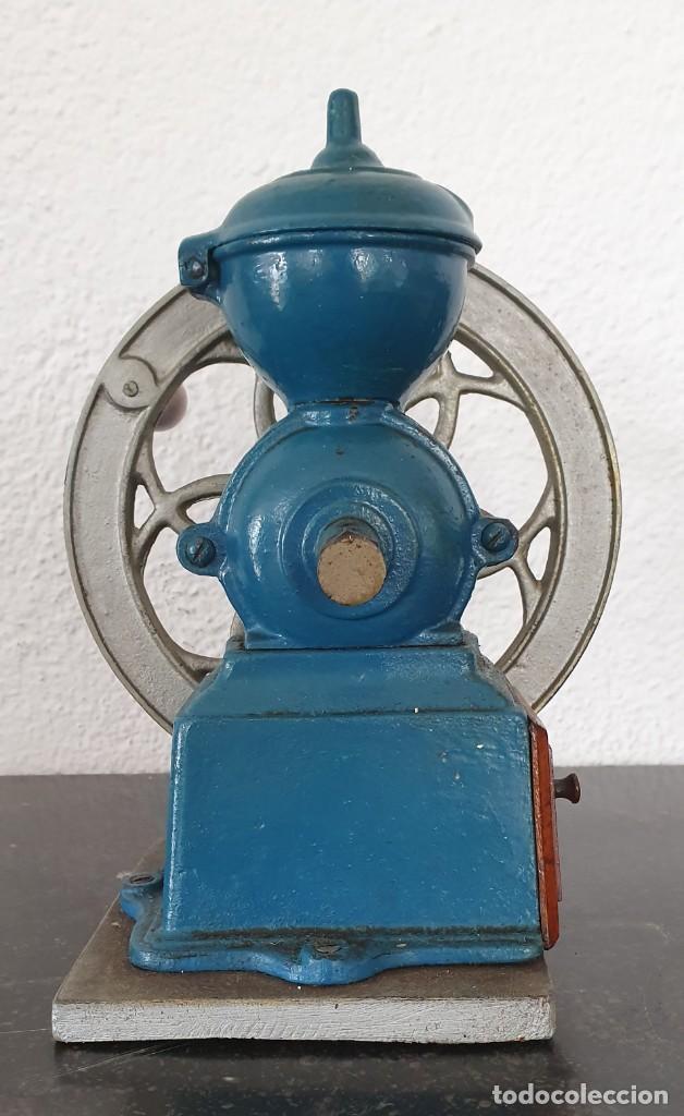 Antigüedades: MOLINILLO DE CAFE, RUEDA LATERAL, AÑOS 30. - Foto 4 - 218482738