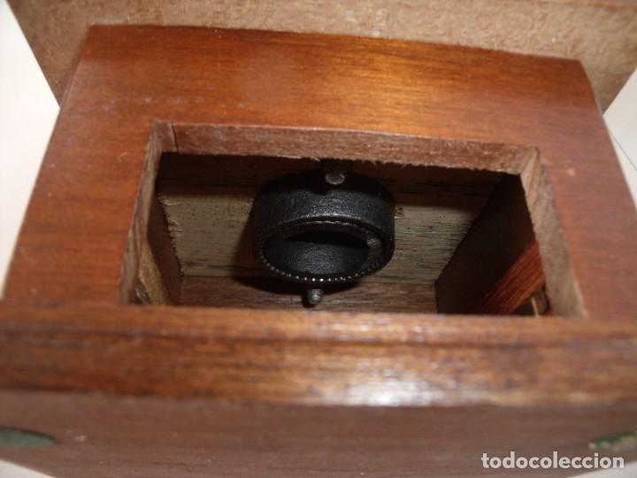 Antigüedades: MOLINILLO DE CAFÉ CON TOLVA DE CRISTAL. - Foto 12 - 218589277