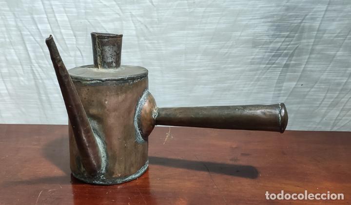RARA ACEITERA DE COBRE PARA MÁQUINA, INDUSTRIAL (Antigüedades - Técnicas - Herramientas Profesionales - Mecánica)