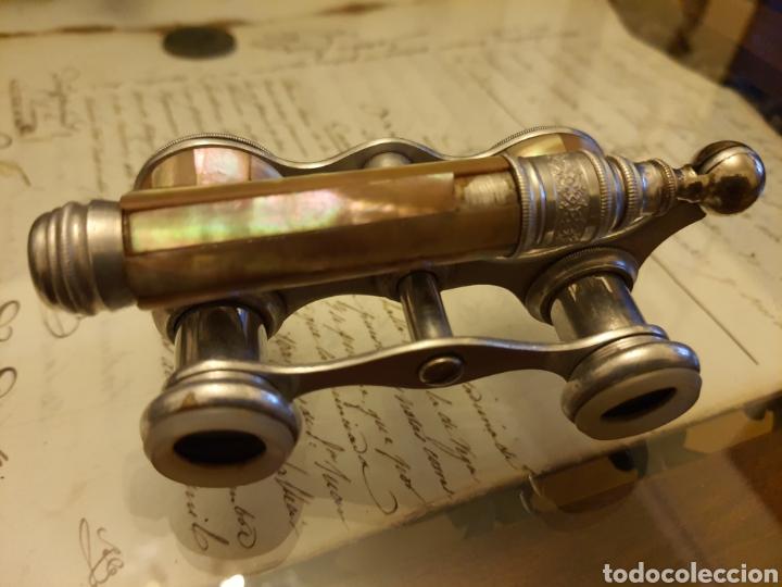 Antigüedades: Antiguo impertinente en madre perla y metal plateado(plata?). - Foto 2 - 218838866