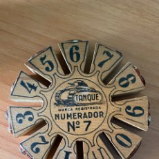 Antiquités: ANTIGUO NUMERADOR DE IMPRENTA, MARCA TANQUE Nº7 (11CM. DE DIÁMETRO). Lote 219062302