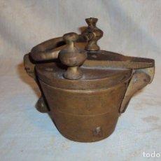 Antigüedades: PONDERAL DE BRONCE ANTIGUO. Lote 219064186