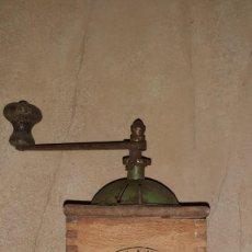 Antigüedades: MOLINILLO DE CAFÉ ANTIGUO. Lote 219073108