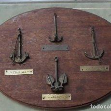 Antigüedades: METOPA PARED MADERA Y BRONCE ..4 ANCLAS. Lote 219217963