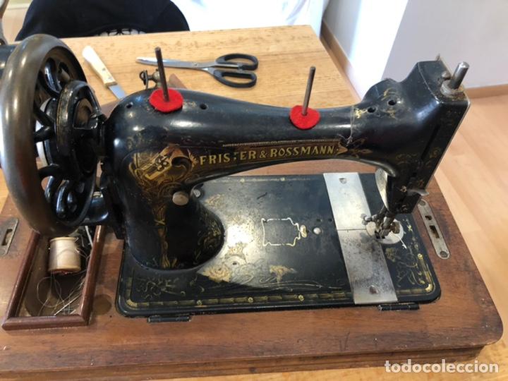 Antigüedades: Antigua maquina de coser alemana Frister&Rosman Núm. Serie 1084208 - Foto 4 - 219334317
