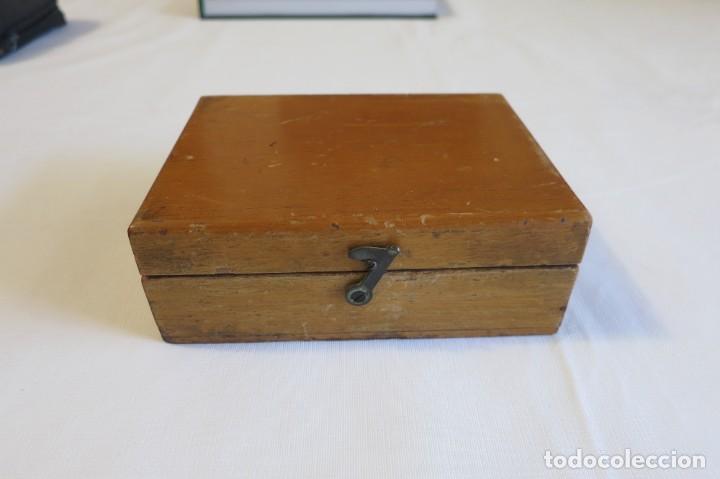 Antigüedades: caja de pesas de precision para balanza de laboratorio - Foto 3 - 219367493