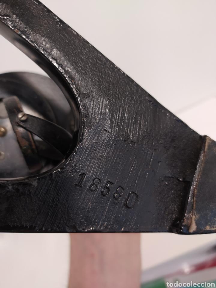 Antigüedades: Antiguo microscopio hierro y metal cromado 2 objetivos Numeración 1858 O - Foto 5 - 219497895