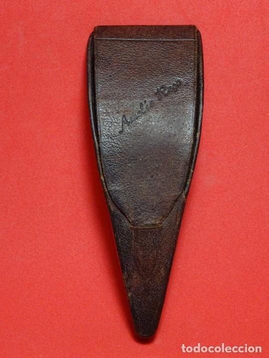 Antigüedades: Estuche y 3 tijeras modernistas.Vich.Amelie Rego - Foto 3 - 219568602