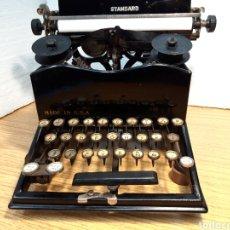 Antigüedades: MAQUINA DE ESCRIBIR, TYPEWRITER, SCHREIBMASCHINEN, MACHINE Á ÉCRIRE SUN CON CINTA. Lote 219596175