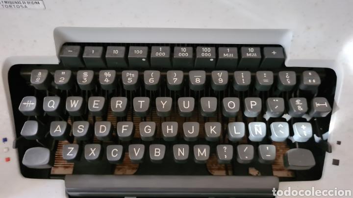 Antigüedades: Maquina de escribir Olympia SG3 + manual - Foto 2 - 219822455