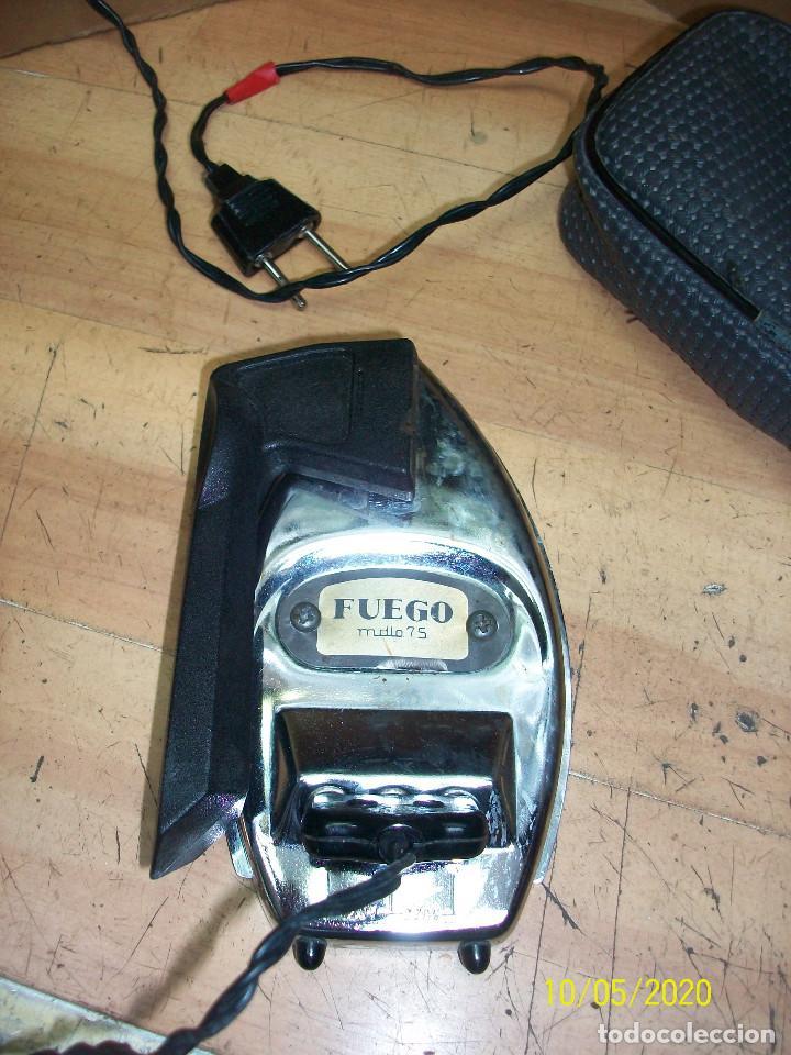 Antigüedades: ANTIGUA PLANCHA DE VIAJE-FUEGO MODELO 75-CON FUNDA - Foto 3 - 219856710