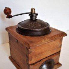 Antigüedades: MOLINILLO DE CAFÉ MARCA SOL. MODELO 443. ESPAÑA. CA. 1920/30. Lote 286348838