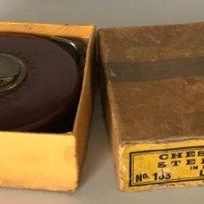 Antigüedades: CINTA DE MEDIR INGLESA DE 1930. CHESTERMAN & SHEFFIELD. Lote 220104246