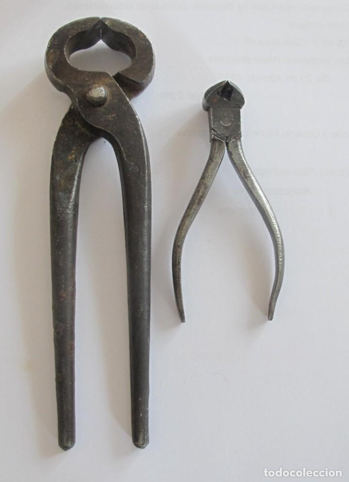 2 ALICATES ANTIGUOS DE HIERRO. (Antigüedades - Técnicas - Cerrajería y Forja - Varios Cerrajería y Forja Antigua)