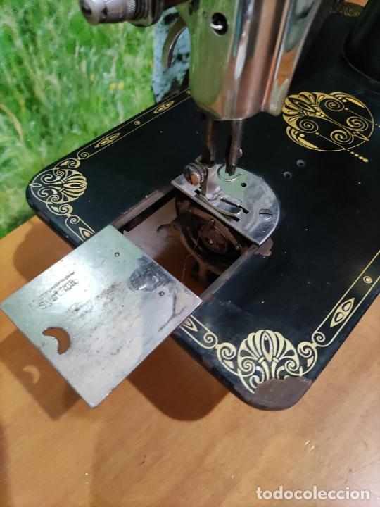 Antigüedades: Antigua maquina de coser marca Köhler - Foto 2 - 220285587