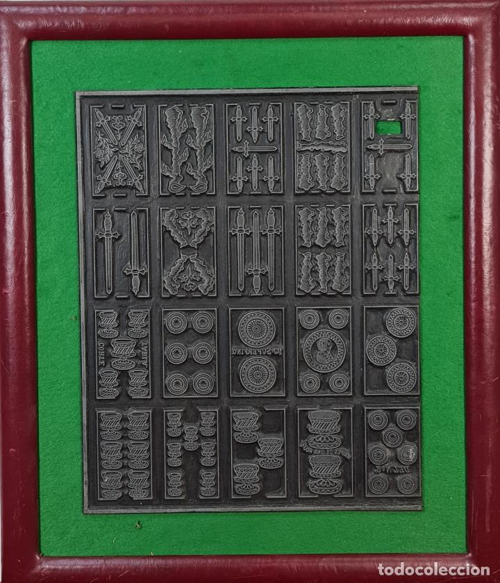 MATRIZ DE METAL. NAIPES FINOS LA HISPANO AMERICANA. JOAN ROURA. CIRCA 1920. (Antigüedades - Técnicas - Herramientas Profesionales - Imprenta)