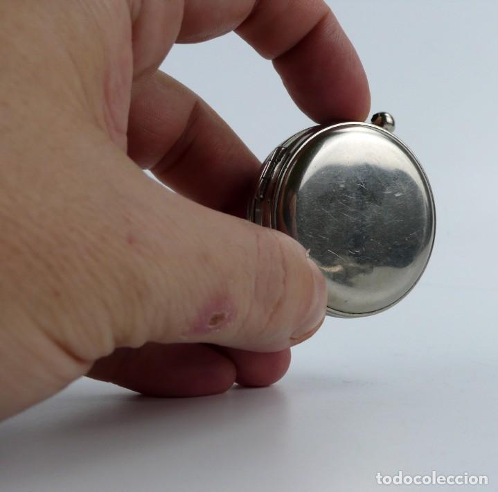Antigüedades: Brújula compás con nivel - metal cromado -de bolsillo - Mediados S.XX - Foto 9 - 220502128