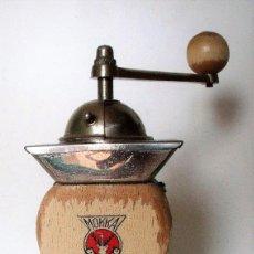 Antigüedades: INUSUAL MOLINILLO DE CAFÉ MARCA -PE DE- MODELO 469. CA. 1940/50. Lote 220524631
