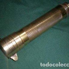 Antigüedades: TELESCOPIO INGLÉS CON BRÚJULA DE LA PRIMERA MITAD DEL SIGLO XX. Lote 220606528