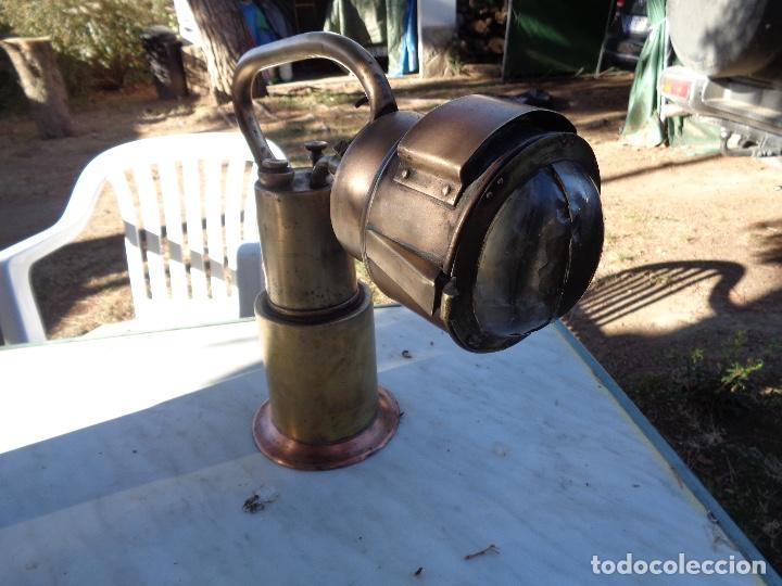 Antigüedades: Farol de mano de jefe estación de Renfe siglo XIX bronce único TC - Foto 4 - 220635250