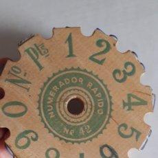 Antiquités: MARCADOR NUMÉRICO. NUMERADOR RÁPIDO N° 42. TAMPÓN. Lote 220638611