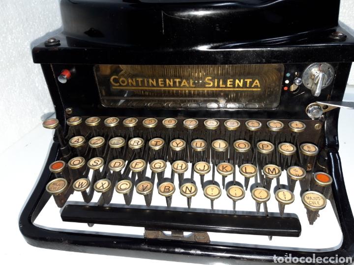 Antigüedades: ANTIGUA MAQUINA DE ESCRIBIR TYPEWRITER SCHREIBMASCHINE CONTINENTAL SILENTA - Foto 2 - 220732747