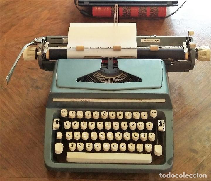 MÁQUINA DE ESCRIBIR. MARCA ANDINA NOVA. MODELO 130. FUNCIONA. (Antigüedades - Técnicas - Máquinas de Escribir Antiguas - Otras)