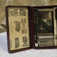Antigüedades: ANTIGUO APARATO PARA AFILAR Y SUAVIZAR LAS HOJAS DE LAS MAQUINAS DE AFEITAR MARCA ALLEGRO MODELO L. Lote 220765740