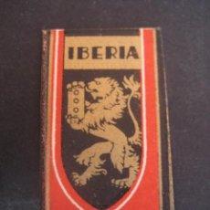 Antigüedades: IBERIA EXTRA LUJO. ANTIGUA HOJA DE AFEITAR. CONTIENE LA HOJA. Lote 51089867
