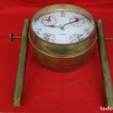 Antiquités: RELOJ Y BRUJULA DE BARCO DE BRONCE CON CRISTALES DE GRAN GROSOR BISELADOS. Lote 220883008