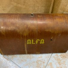 Antigüedades: ALFA - ANTIGUA TAPA DE MAQUINA DE COSER.. Lote 220939356