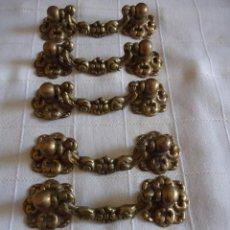 Antigüedades: 6 TIRADORES DE BRONCE PRINCIPIOS SIGLO XX. Lote 220984255