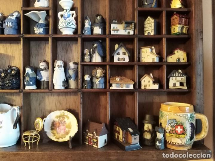 Antigüedades: SMS- Cajon IMPRENTA con unas 150 figuritas - Foto 5 - 221000921
