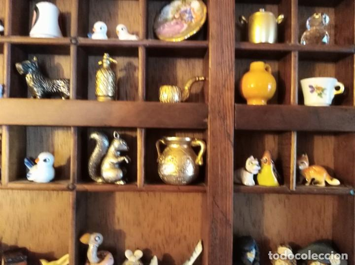 Antigüedades: SMS- Cajon IMPRENTA con unas 150 figuritas - Foto 10 - 221000921
