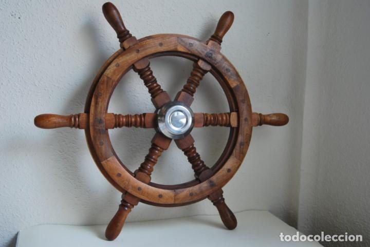 PRECIOSO TIMÓN DE MADERA NOBLE - DIÁMETRO 61 CM (Antigüedades - Antigüedades Técnicas - Marinas y Navales)